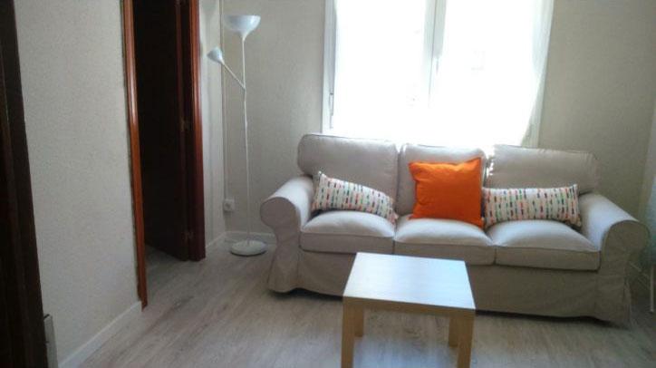 salon alquilar piso zaragoza poppy rooms
