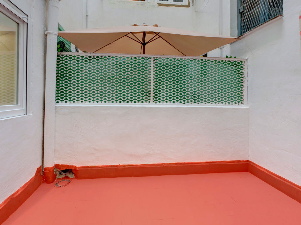 patio exterior terraza piso alquiler zaragoza poppy rooms
