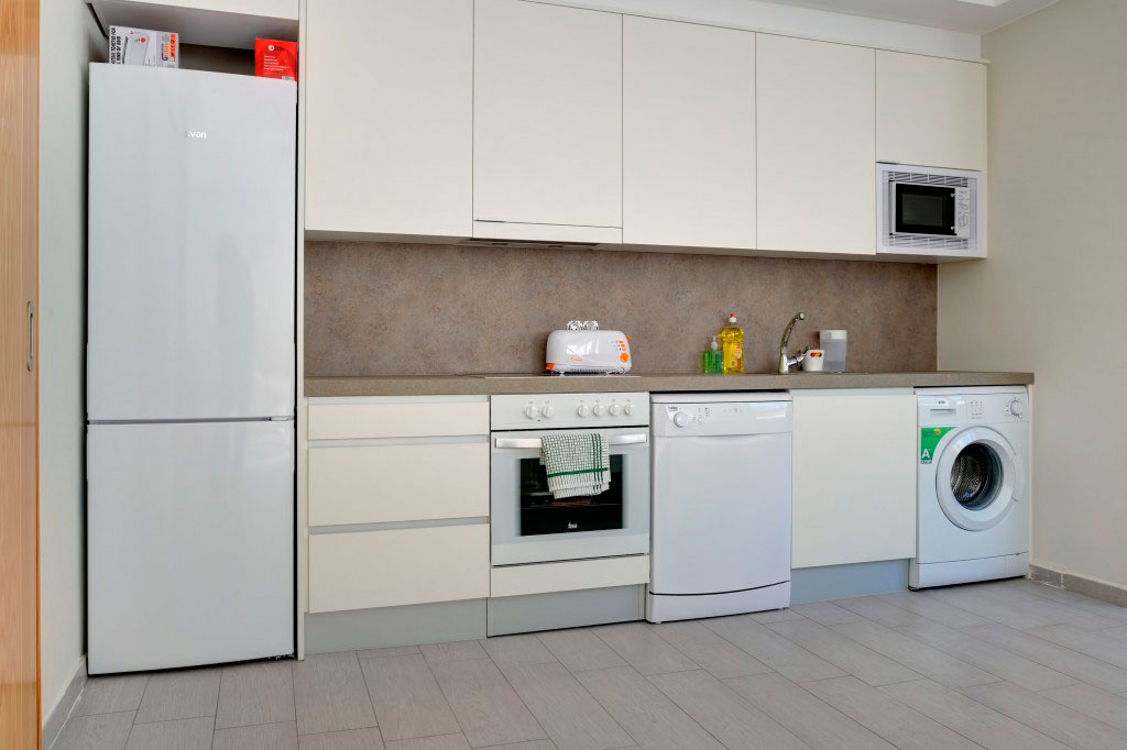cocina compartir habitacion alquilar piso zaragoza poppy rooms ram de viu
