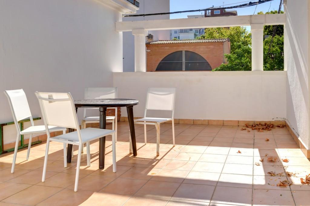 terraza compartir habitacion alquilar piso zaragoza poppy rooms ram de viu