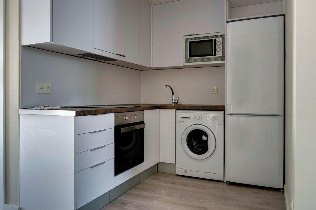 cocina compartir habitacion alquilar piso zaragoza poppy rooms eduardo dato