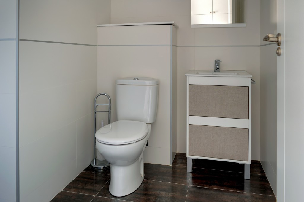 baño privado compartir habitacion alquilar piso zaragoza poppy rooms eduardo dato