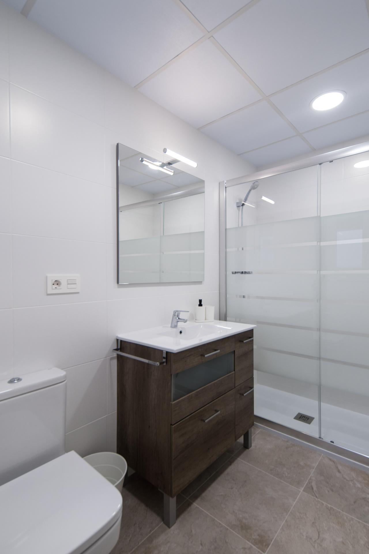 baño privado alquilar piso zaragoza poppy rooms