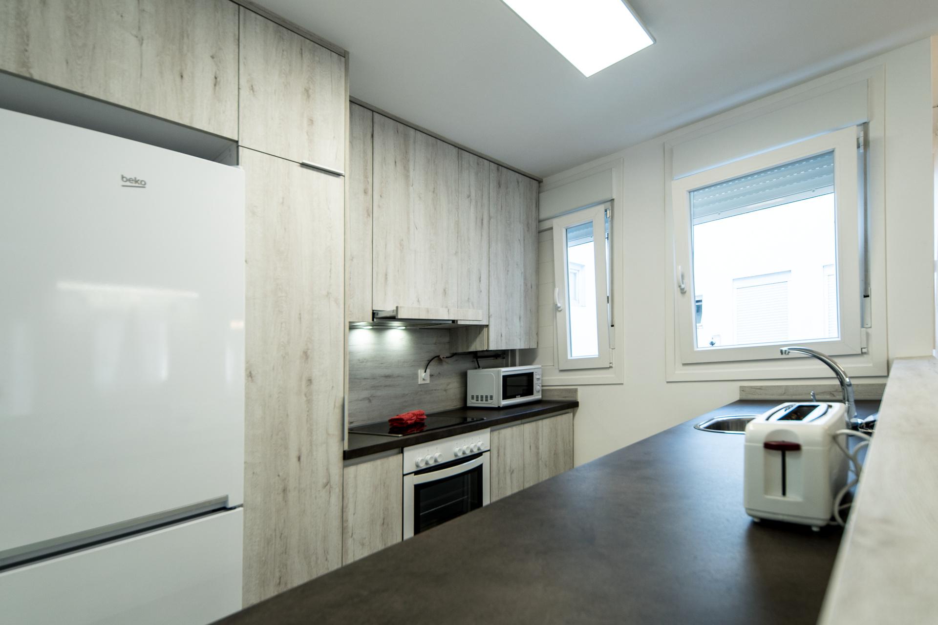 cocina alquilar piso zaragoza poppy rooms